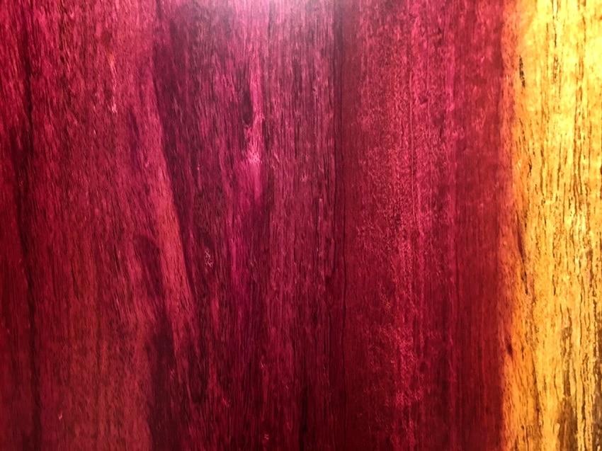 高級感溢れる紫の一枚板