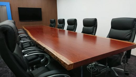 (株)アイズ様 会議室テーブル
