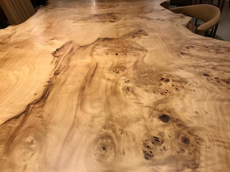 ポプラ一枚板の木目