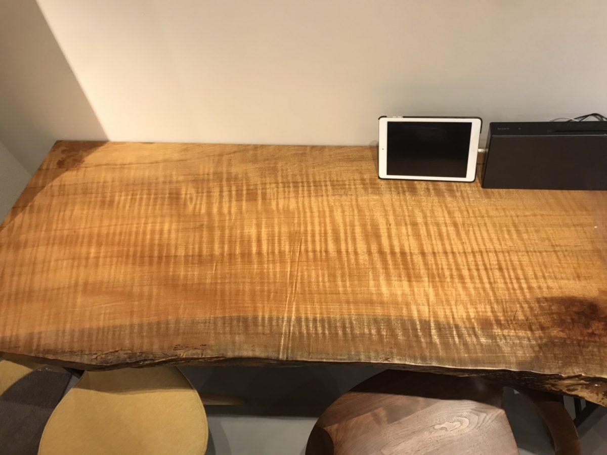 タブ一枚板の表面
