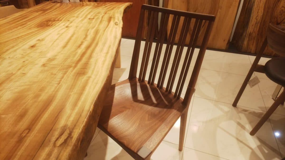 新作椅子の紹介