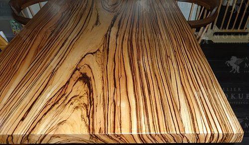 縞模様が美しいゼブラ一枚板テーブル