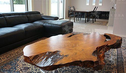 屋久杉一枚板テーブル、ナイン ペルシャ絨毯
