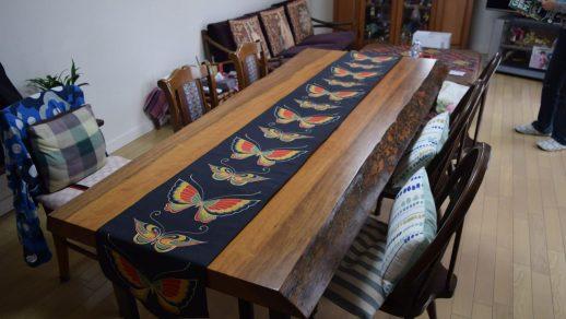 ベニツバキ 一枚板 ダイニングテーブル