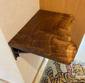 玄関ウォールナットテーブル