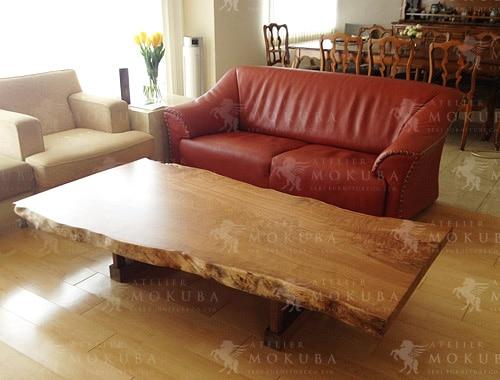 楢(ナラ)一枚板で作ったセンターテーブルの画像