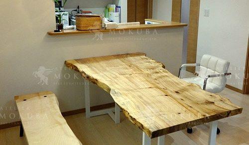 ヤナギ一枚板ダイニングテーブル、トチ一枚板ベンチ