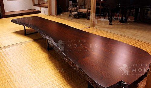 力強い存在感は部屋の主役級。ローズウッドローテーブル、ウェンジダイニングテーブル