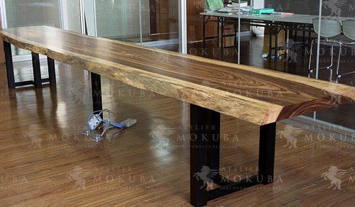 特大サイズのゼブラ一枚板テーブル