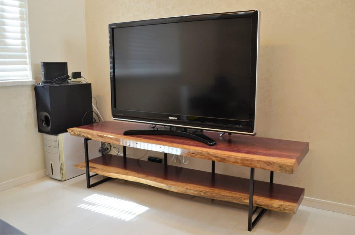 パープルハート一枚板テレビボード
